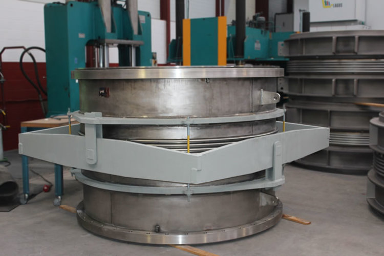 Gimbal expansion joint example 6