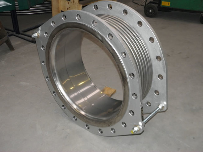 Axial tied expansion joint example 4
