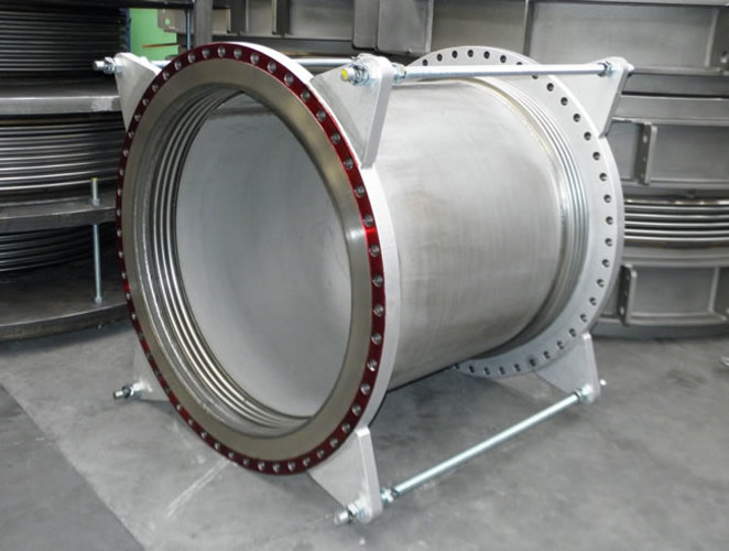Lateral universal expansion joint example 1