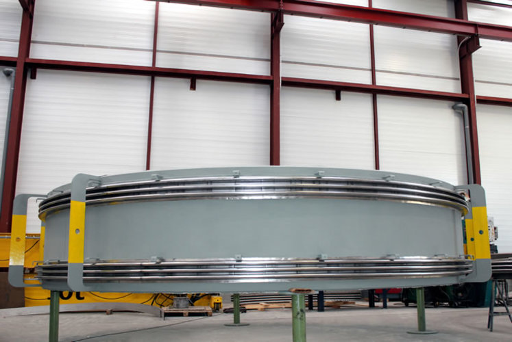 universal expansion joint example 4