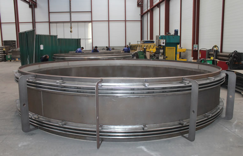 universal expansion joint example 6