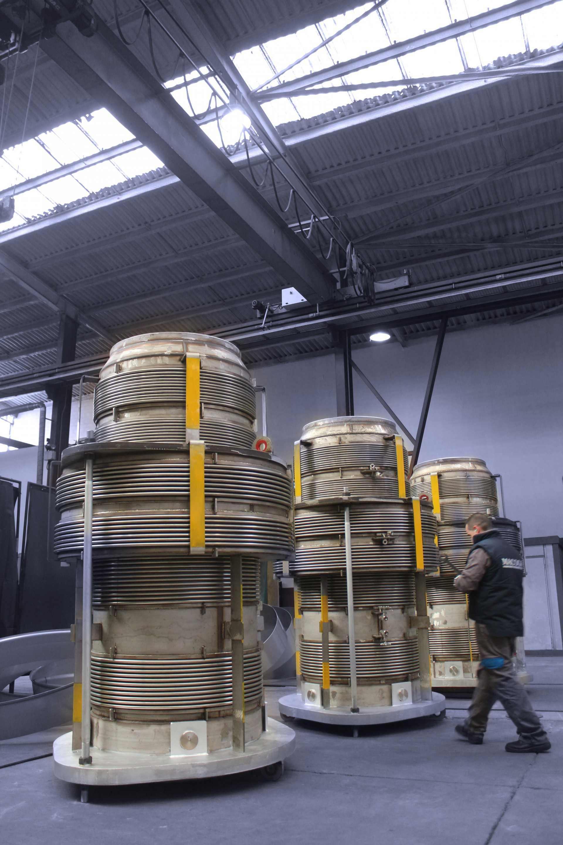 FCCU pressure balanced expansion joints for european refinery