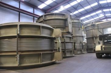 Juntas laterales, hinged y de turbina a condensador para Saudi Aramco Shaybah CPP, en KSA