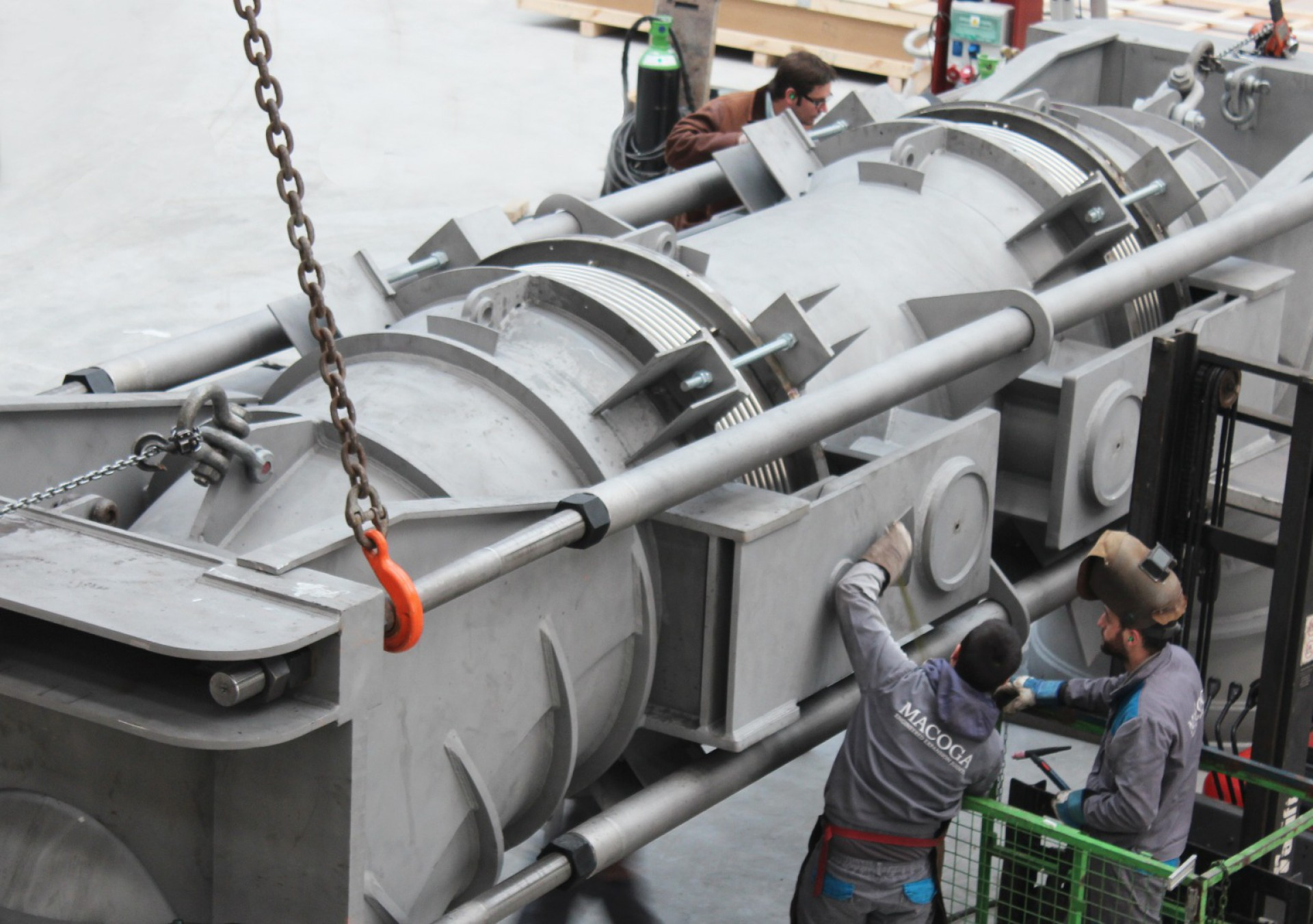 Tied Universal FCCU Expansion Joint for a Refinery in Germany