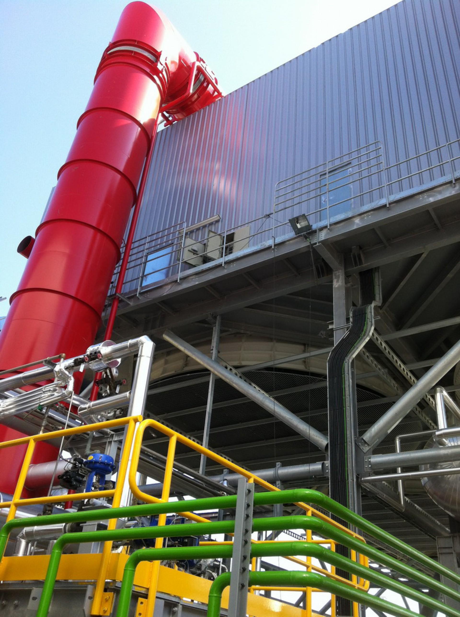 Junta de expansión Hinged para planta solar, España