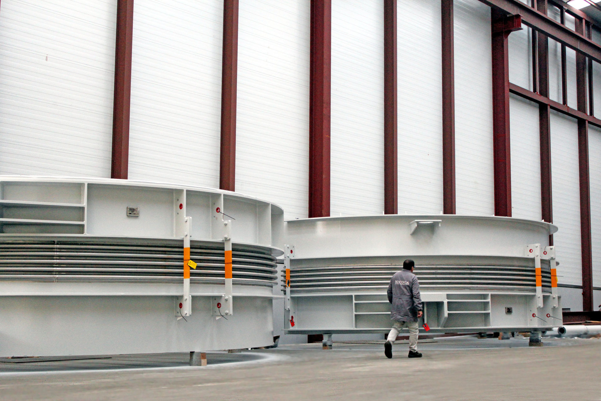 Junta universal con tirantes DN 7900 para gran planta de ciclo combinado en Oriente Medio
