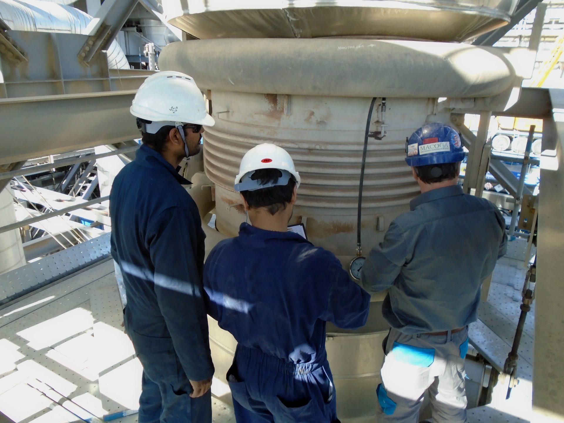 Servicio en planta. Inspección de fuelle monitorizable de dos láminas en Medio Oriente