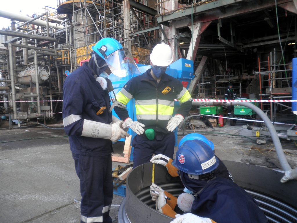 The best On-Site Service: FCC Clamshell and Emergency Repair at a UK Refinery
