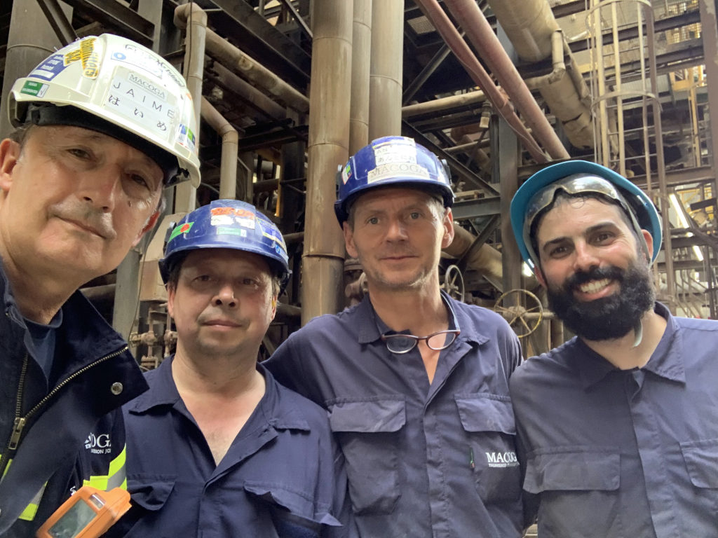 Extraordinary work of our On-Site Team. Successful installation of two clamshells in a refinery in Europe