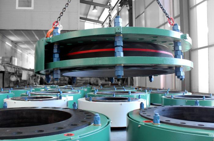 Compensadores de Dilatación de Goma de Alta Presión para la Planta Desalinizadora ADNOC Waste Heat Recovery Project en Abu Dhabi.